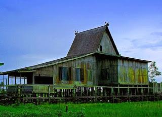 Rumah Tradisional Banjar Bubungan Tinggi