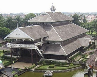 Provinsi Kalimantan Barat Rumah Tradisional Istana Kesultanan Kadriah Pontianak