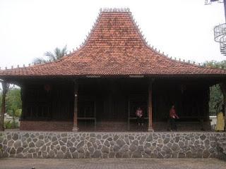 Provinsi Jawa Tengah Rumah Adat Joglo