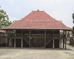 Provinsi Jawa Barat Rumah Adat Kasepuhan Cirebon