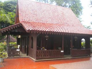 Provinsi DKI Jakarta Rumah Adat Kebaya
