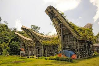 Provinsi Sulawesi Barat Rumah Tradisional Tongkonan