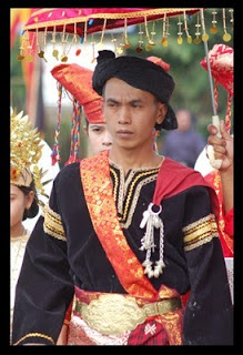 Pakaian Adat Provinsi Sumatera Barat