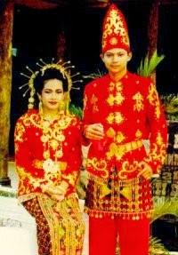 Pakaian Tradisional Sulawesi Tenggara