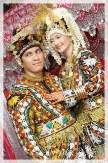 Pakaian Adat Provinsi Nanggro Aceh Darussalam